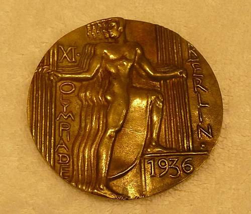Click image for larger version.  Name:Olympic Table Medal Front No Flash.jpg Views:1888 Size:117.1 KB ID:366311
