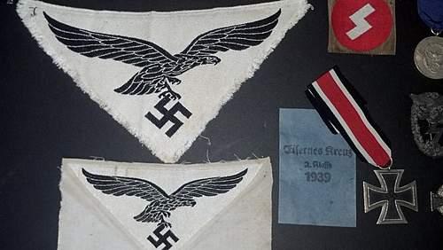 Lufwaffe Erdkampabzeichen and Flottenkriegsabzeichen.