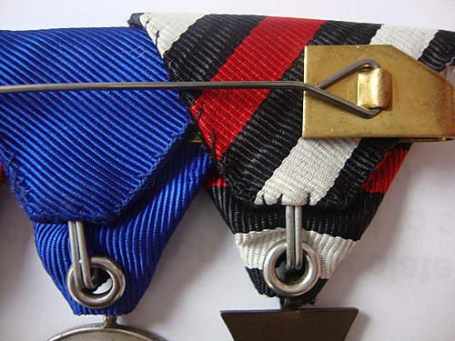 Triple Trifold medal bar