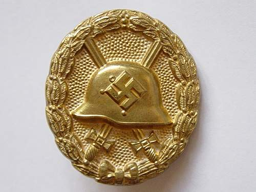 Click image for larger version.  Name:Spanish pattern wound badge in gold. 001.jpg Views:95 Size:154.9 KB ID:384548