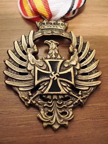 Spanish Blue Division Medal (Original Post War issue or Fake??)