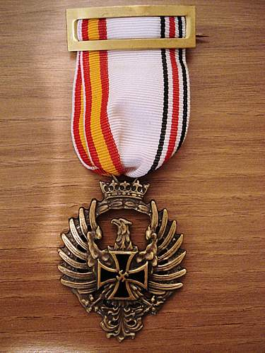 Spanish Blue Division Medal (Original Post War issue or Fake??)