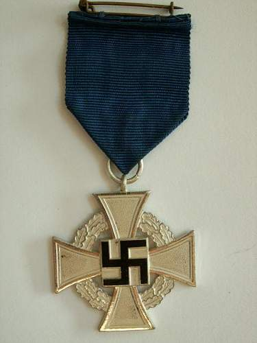 real or fake medal and badges
