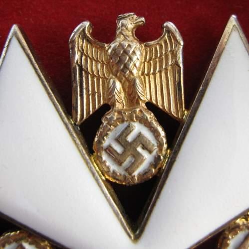 Deutsche Adlerorden dritter Klasse (ohne Schwertern).
