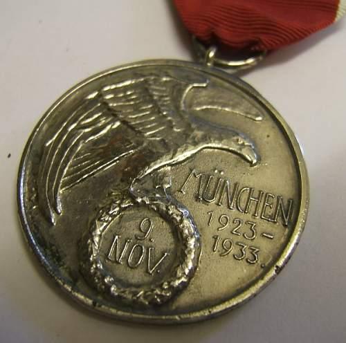 Click image for larger version.  Name:german medal blood 1.jpg Views:302 Size:66.3 KB ID:423685