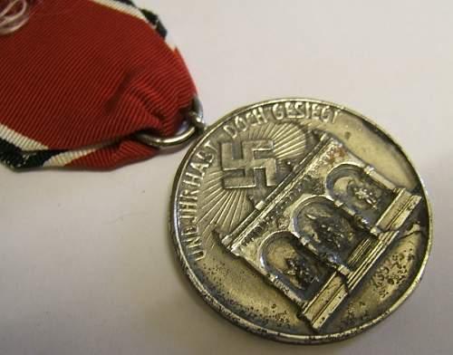 Click image for larger version.  Name:german medal blood 3.jpg Views:161 Size:52.8 KB ID:423687