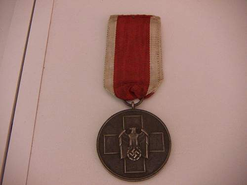 Click image for larger version.  Name:Medaille Deutsche Volkspflege  1.jpg Views:142 Size:179.4 KB ID:428835