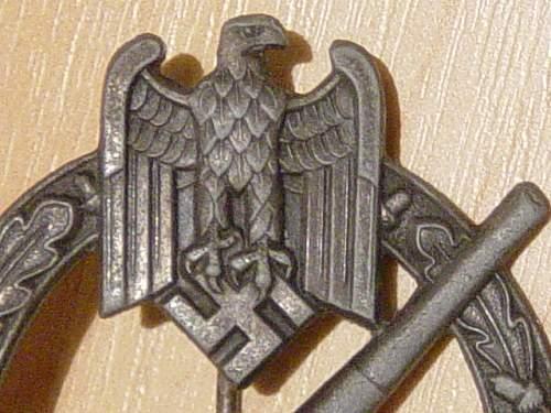 Click image for larger version.  Name:Heer Flak badge eagle detail..jpg Views:169 Size:152.7 KB ID:4298