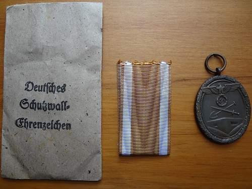 Real or Fake Deutsches Schutzwall-Ehrenzeichen?