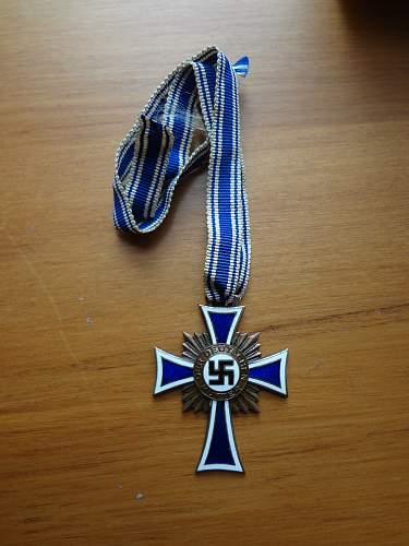 Real or Fake Mutterkreuz?