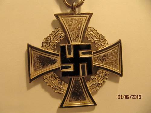 Treue Dienst Ehrenzeichen  real or fake