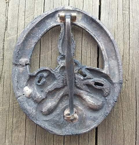 Bandenkampfabzeichen in bronze, real?
