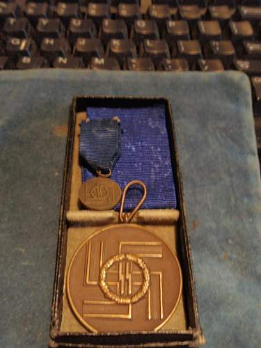 Cased 8 Year SS Service Medal