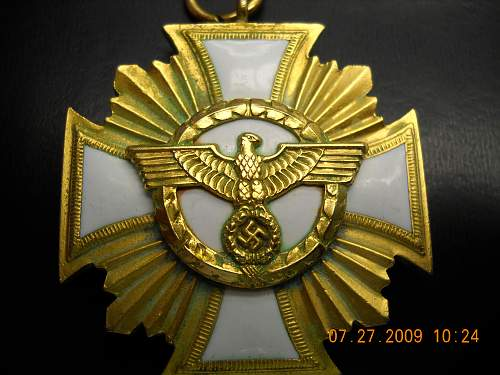 Click image for larger version.  Name:NSDAP 25 Yr Service Medal Detail - Front.jpg Views:243 Size:240.0 KB ID:48611