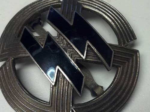 Need help - Germanische Leistungsrune and swastika badge - real or fake