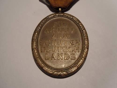 Deutsches Schutzwall-Ehrenzeichen - Share