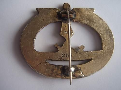 help needed for a U-Boots Kriegsabzeichen.