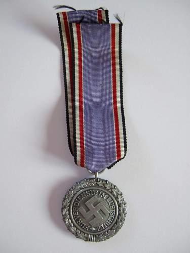 Luftschutz medal