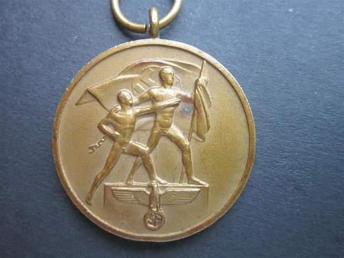 Dubbel marked october medal