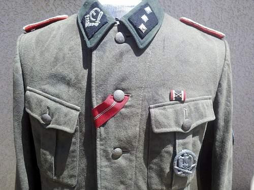 Medal configuration on tunics?