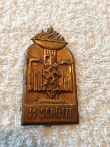 SS schutze laynard with tinny.