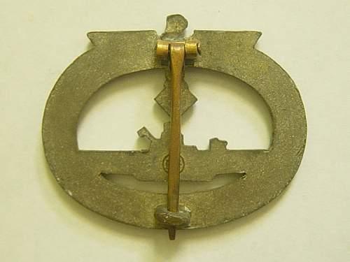 Click image for larger version.  Name:U-Baot-war-badge-reverse.jpg Views:176 Size:141.4 KB ID:5360