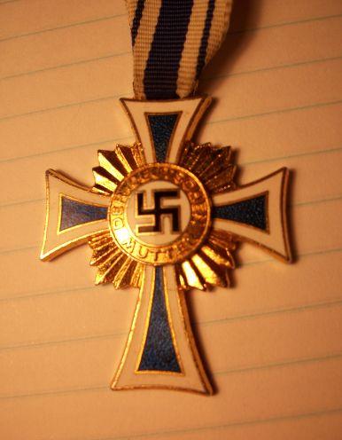 Ehrenkreuz der Deutsche Mutter Erste Stufe
