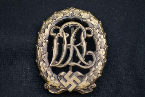 Click image for larger version.  Name:Militaria 003.jpg Views:30 Size:218.4 KB ID:549656