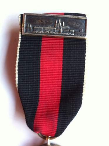 PLEASE HELP Anschluss medall, wrong ribbon??