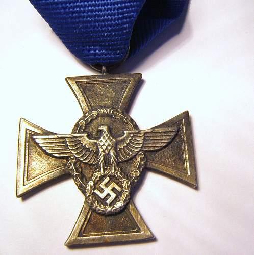 Polizei Dienstauszeichnung medal opinions.