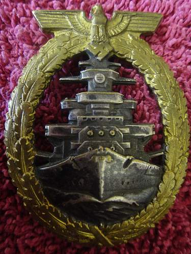 Help please: Flotten-Kriegsabzeichen - High Seas Fleet War Badge.