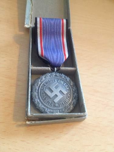 Name:  German ww2 Luftshutz medal front.jpg Views: 107 Size:  20.1 KB