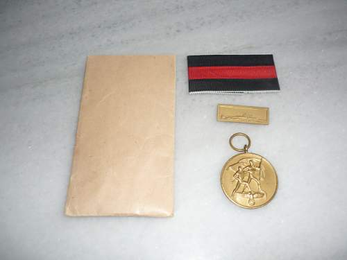 Mint medaille zur Erinnerung an den 1. Oktober 1938 mit Prague spange