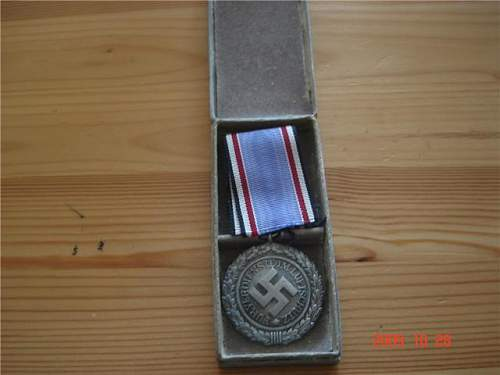 Click image for larger version.  Name:Lwmedal.jpg Views:46 Size:31.5 KB ID:60579