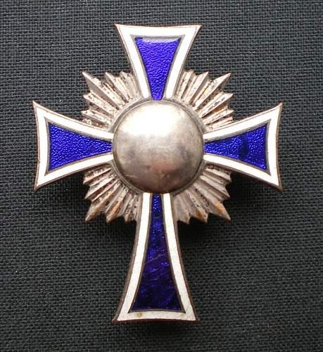Re-modelled/denazified Mutterkreuz oddity