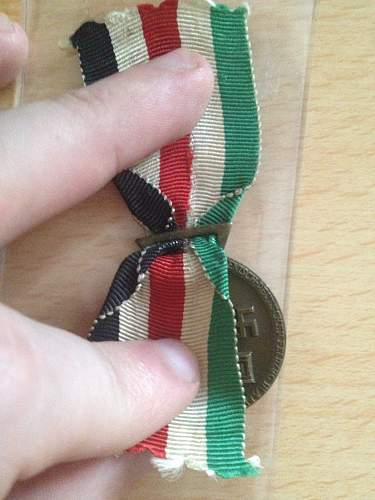 Click image for larger version.  Name:German Africa corps medal 2.jpg Views:30 Size:320.3 KB ID:613092