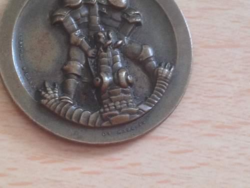 Click image for larger version.  Name:war relics dak medal 2.jpg Views:22 Size:291.5 KB ID:613685