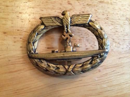 U-boot Kriegsabzeichen: Hollow backed?