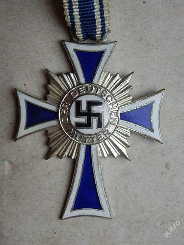 Three Mutterkreuzen