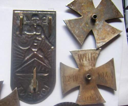 Click image for larger version.  Name:medals2 - Kopia.jpg Views:38 Size:60.7 KB ID:62541