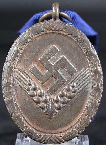 Rad women medal