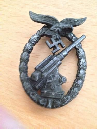 Click image for larger version.  Name:luftwaffe flak badge 1.jpg Views:106 Size:322.9 KB ID:659767