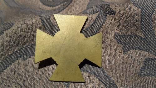 1914/18 Ehrenkreuz fake?