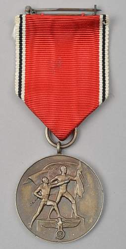 Click image for larger version.  Name:Medaille zur Erinnerung an den 13. M�rz 1938.jpg Views:41 Size:46.1 KB ID:670186