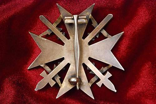 Spanienkreuz im Gold mit Schwerter und Brillanten