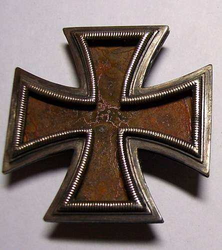 Click image for larger version.  Name:Iron Cross 1st Class Assembly - 01b.jpg Views:86 Size:160.3 KB ID:68339