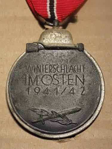 """Medaille """"Winterschlacht im Osten 1941/42"""" (Ostmedaille) ID help needed"""
