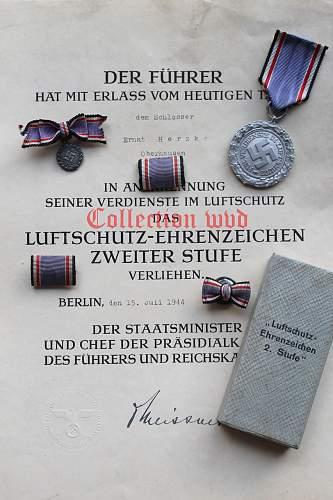 Click image for larger version.  Name:Luftschutz 2de klasse.jpg Views:127 Size:108.8 KB ID:701221