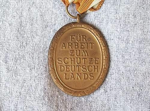 Deutsches Shutzwall-Erenzeichen