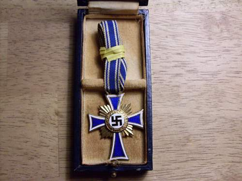 Ehrenkreuz der Deutsche Mutter Erste Stufe with Case